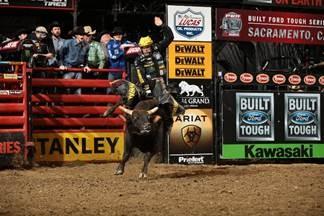Stanley Black   Decker fortalece parceria com o Professional Bull Riding 5824f4adff7