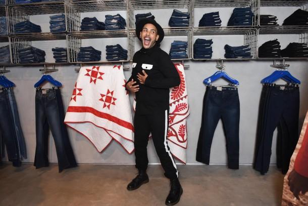 Calvin Klein inaugura primeira flagship store em São Paulo 53c799fa4a