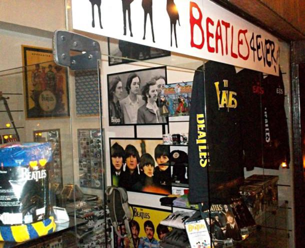b6b94dc0c Hoje a Galeria do Rock possui lojas de roupas