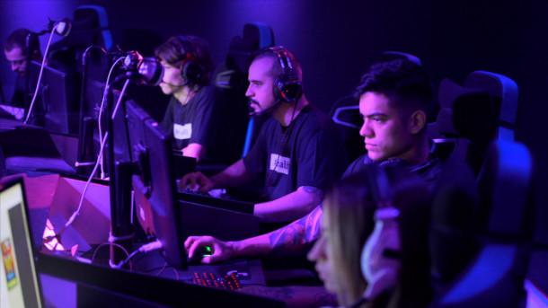 gamers salários