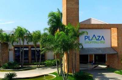 plaza itu