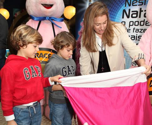 Alexandre Borges e os filhos Tomás e Vicente.