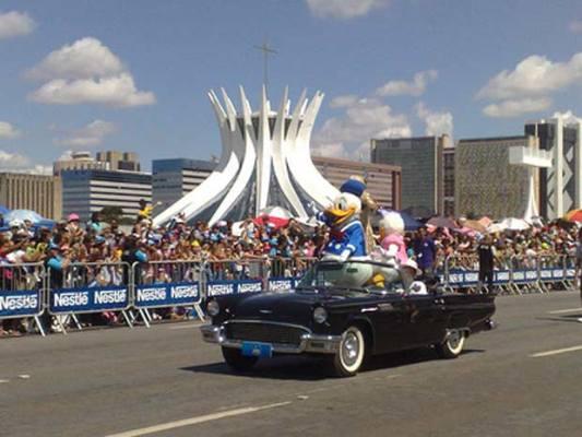 Parada Disney em Brasilia