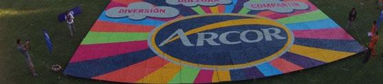 Arcor cria maior mosaico de guloseimas do mundo