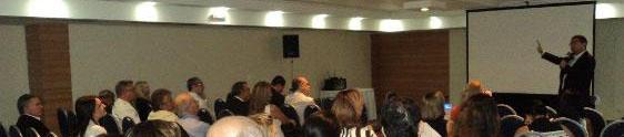 Abih promove palestras sobre o cenário econômico