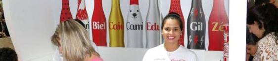 Shopping Cidade customiza minigarrafinhas de Coca-Cola