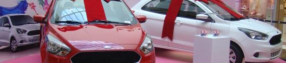 Carros e compre e ganhe na promo do Grand Plaza