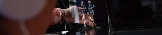Renner apresenta tendências da moda por holografia