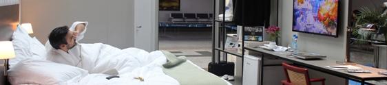 Ação inédita leva quarto de hotel a aeroporto